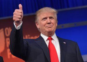 Donald Trump a fost felicitat pentru victorie de către Hillary Clinton