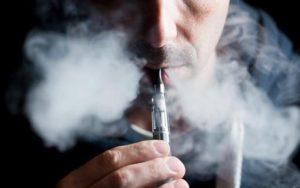 Mai mult de 9 milioane de americani folosesc tigara electronica