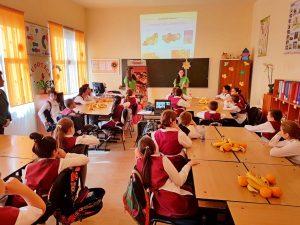 """Smithfield România continuă programul de educaţie pentru conştientizarea importanţei nutriţiei echilibrate, prin susţinerea """"Lecţiei de sănătate alimentară"""""""