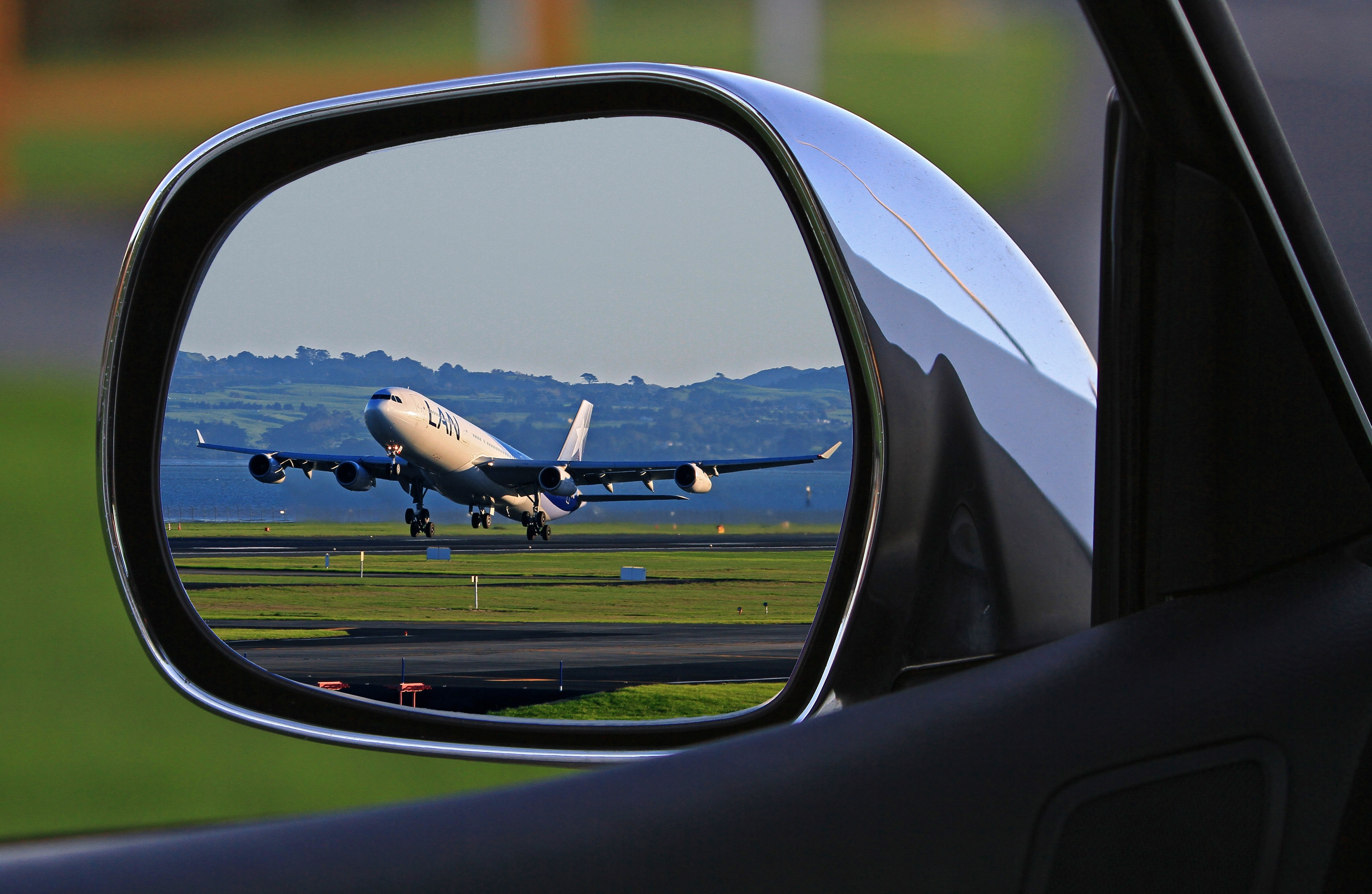 Cand ai nevoie de transport de la aeroport, alege serviciile de inchirieri auto Otopeni