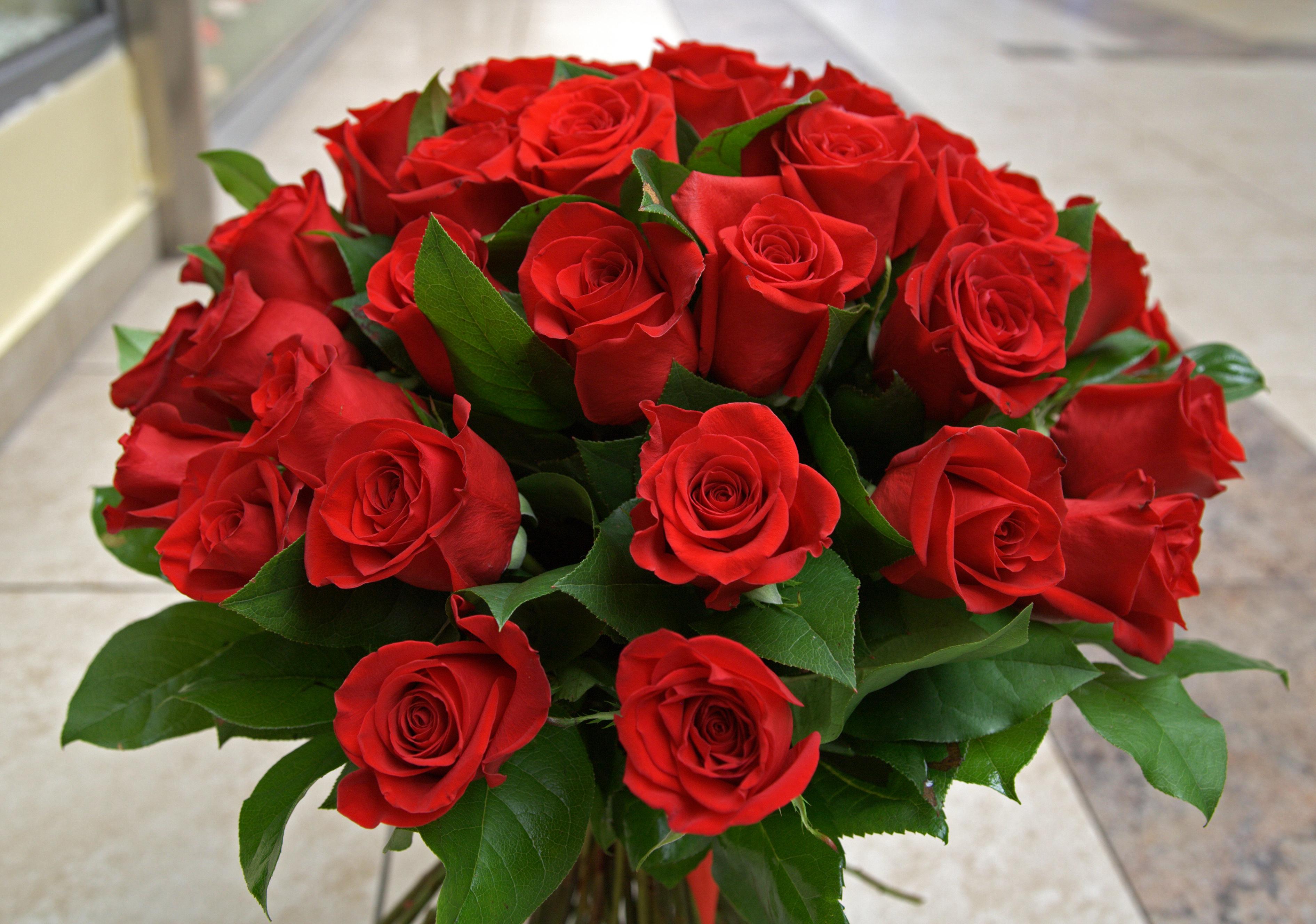buchet_de_trandafiri_rosii