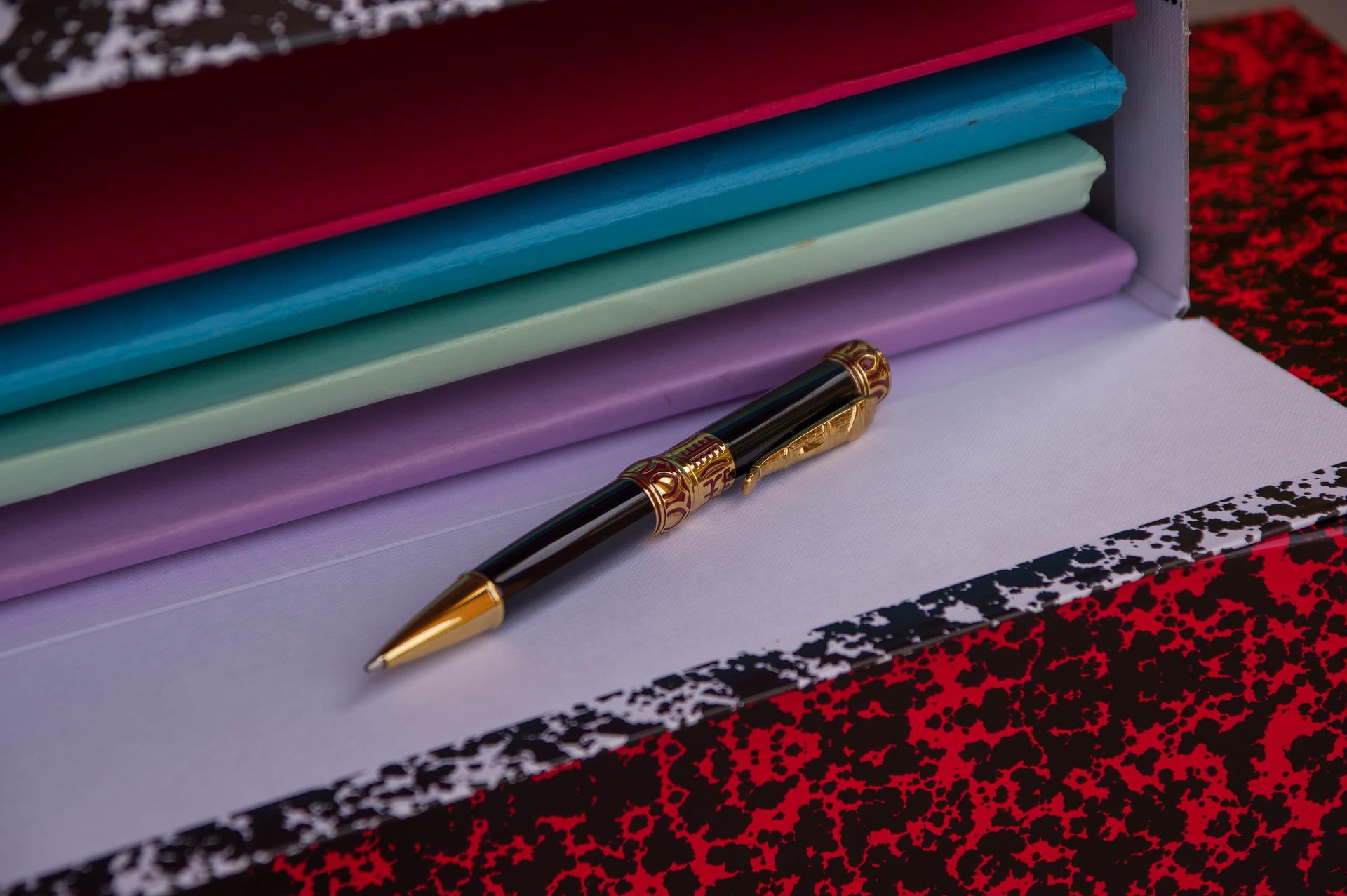 Stiai ca stiloul modern este rezultatul muncii unui inventator roman?