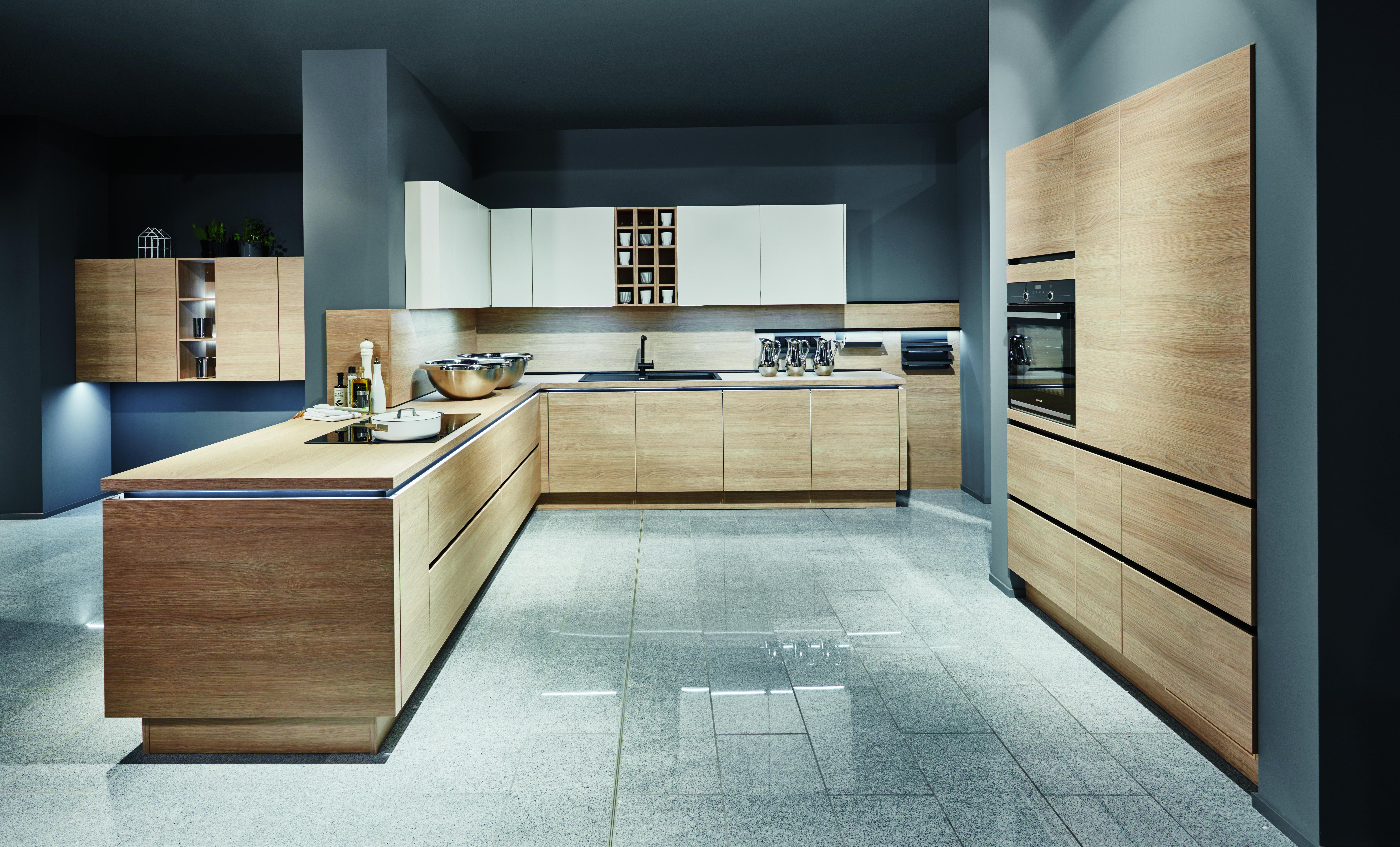 Cum să faci dintr-o bucătărie mică una încăpătoare?