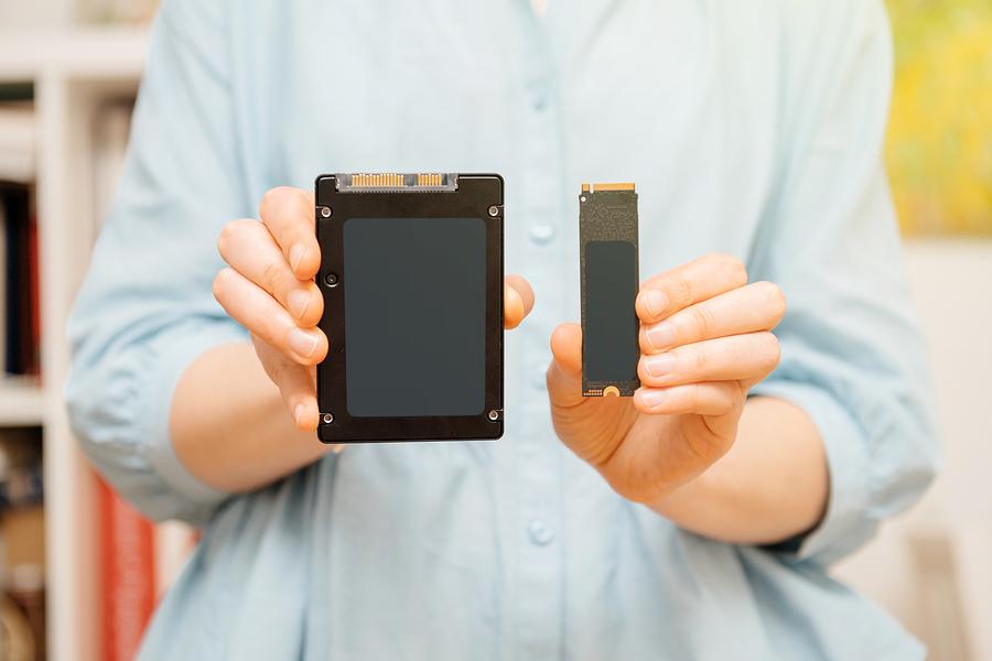 Profita de o Gazduire Web, Mega Accelerata, cu Dispozitivul de Stocare SSD