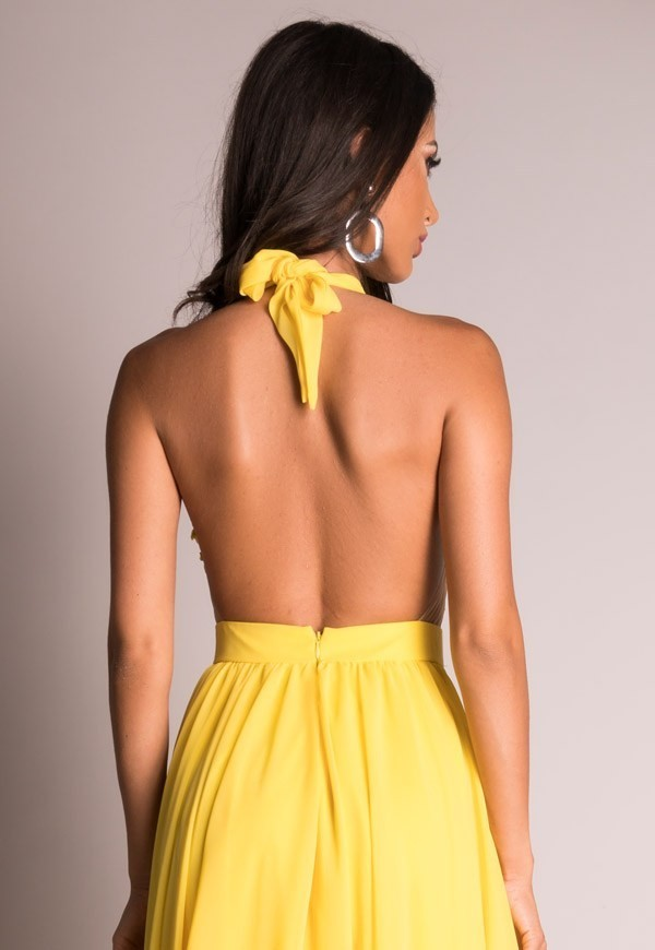 Cum sa porti cu stil rochii de ocazie colorate vara aceasta
