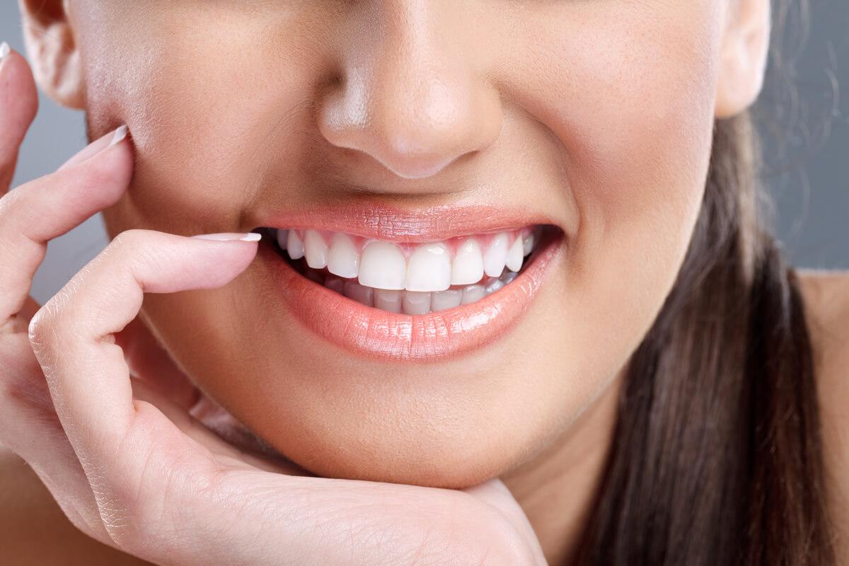 Intrebari si raspunsuri: Iata ce trebuie sa stii despre implanturi dentare