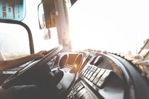 Transport international de persoane Anglia-Romania si alte servicii oferite de Romfour.com